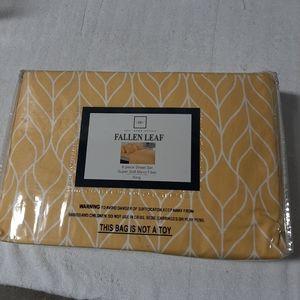 Bedding (King Size set sheets)